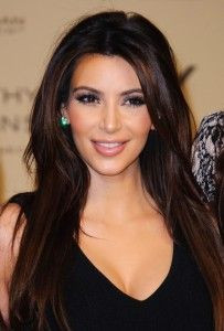kim-kardashian-launch-kardashian-kollection