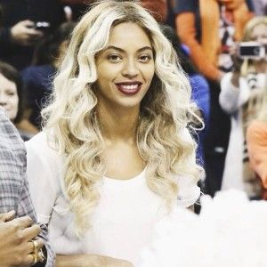 Beyonce rocking platinum blonde locks