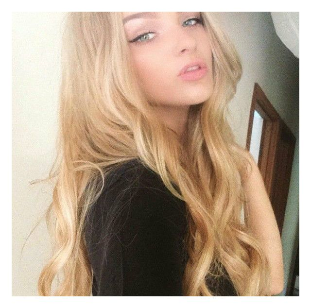 We LOVE these super dreamy waves created with ZALA Hair Extensions Honey Beach Highlights #18/613